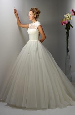 13EM7_f menyasszonyi ruha