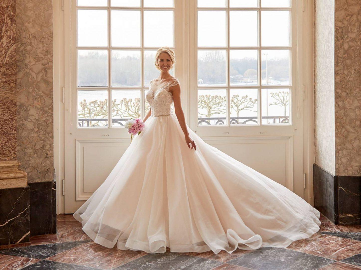 Diane Legrand menyasszonyi ruha