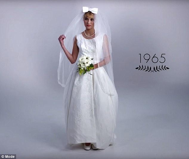 menyasszonyi ruha a 60-as evekbol