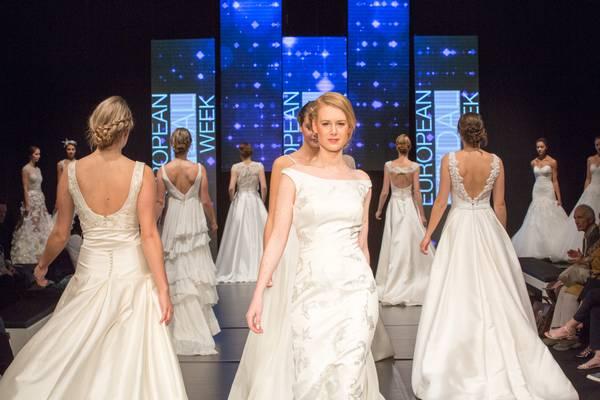 esseni esküvői ruha vásár