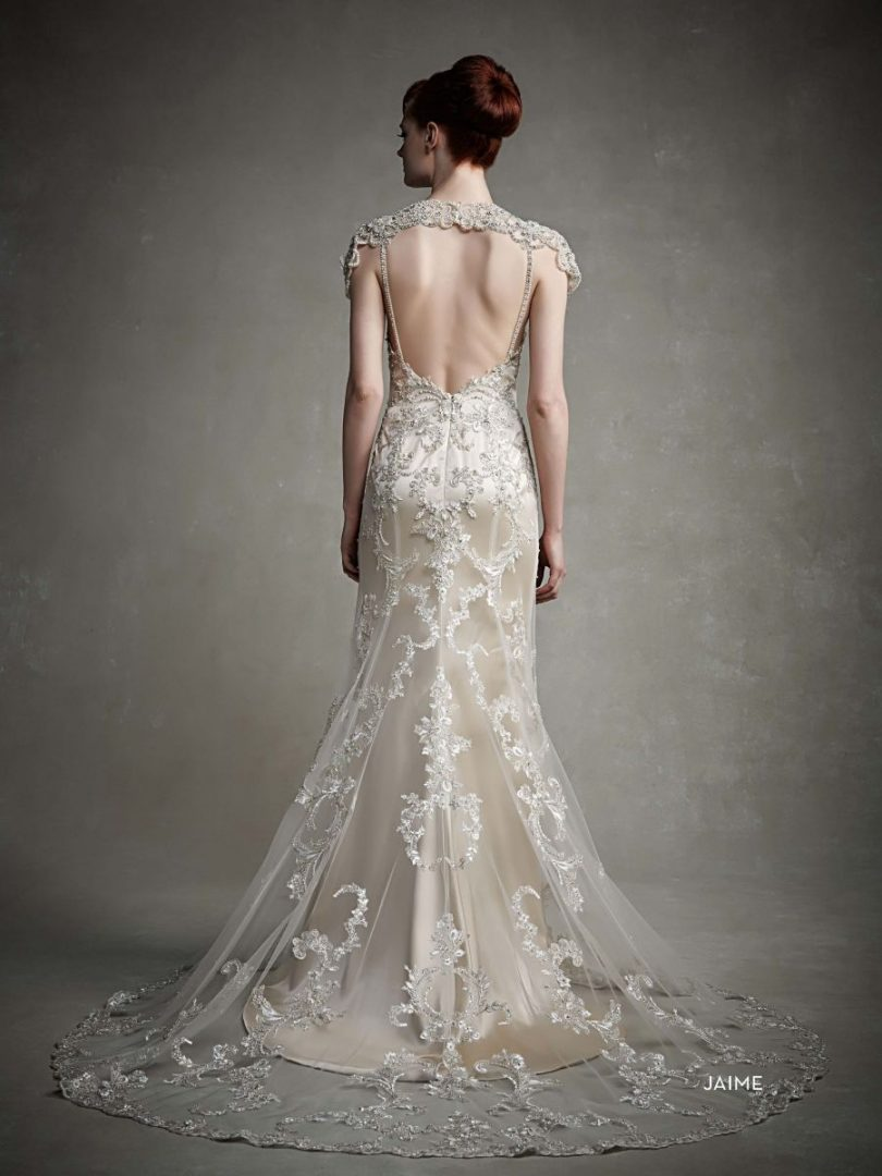 menyasszonyi ruha hátkivágás