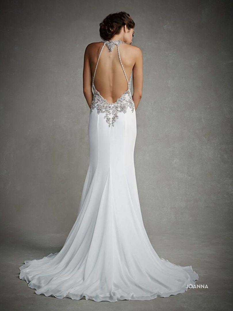 6f6984704c Milyen egy 2015-ös esküvői ruha háta?