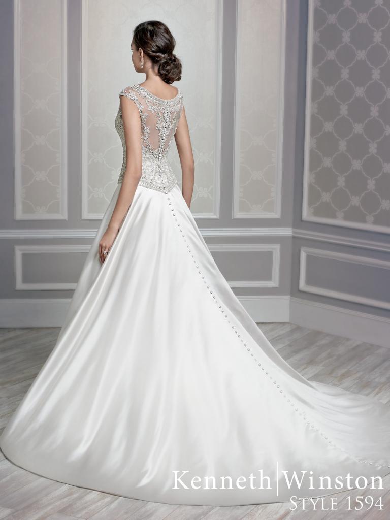 gyöngyös menyasszonyi ruha