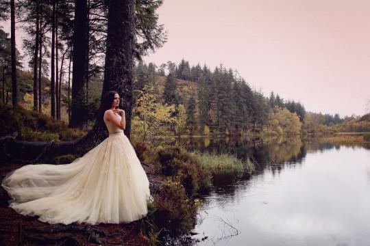 esküvői ruha, menyasszonyi ruha, őszi esküvői fotózás