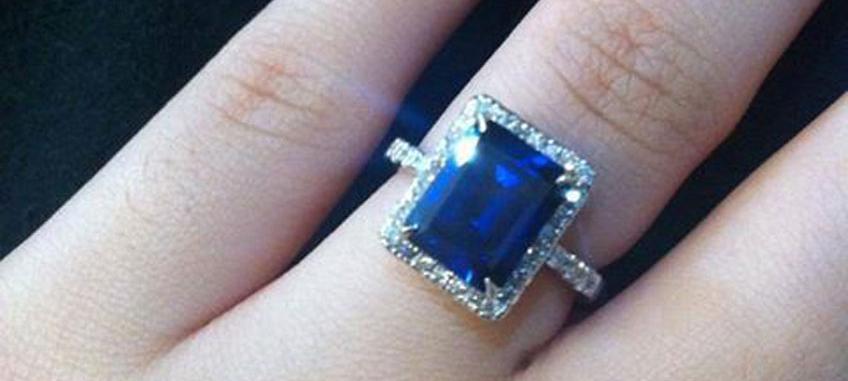 zafíros jegygyűrű