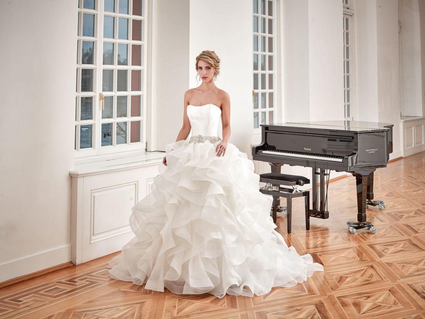 Diane Legrand esküvői ruha