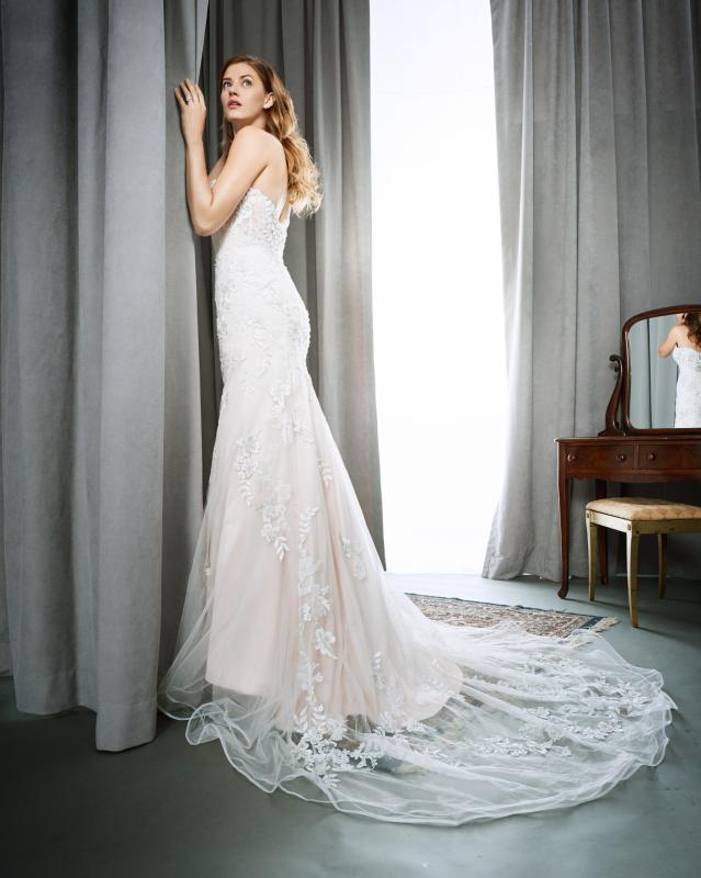 Kenneth Winston menyasszonyi ruha