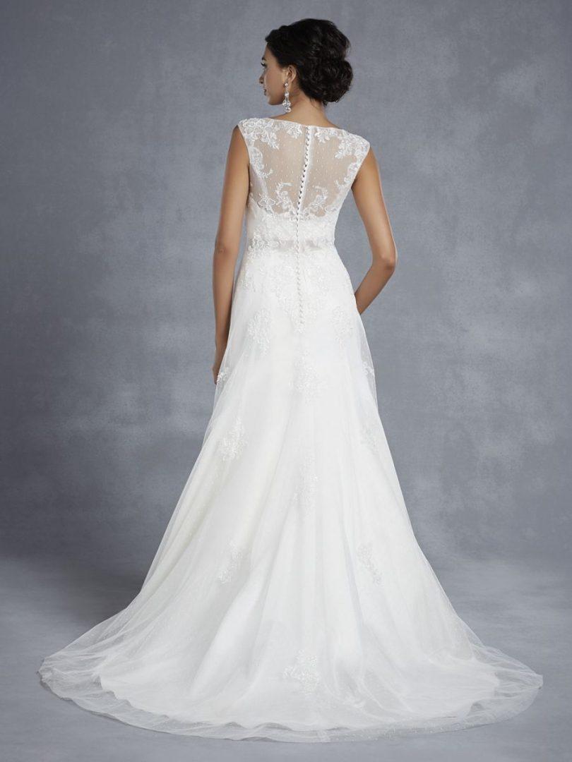 tüllös esküvői ruha