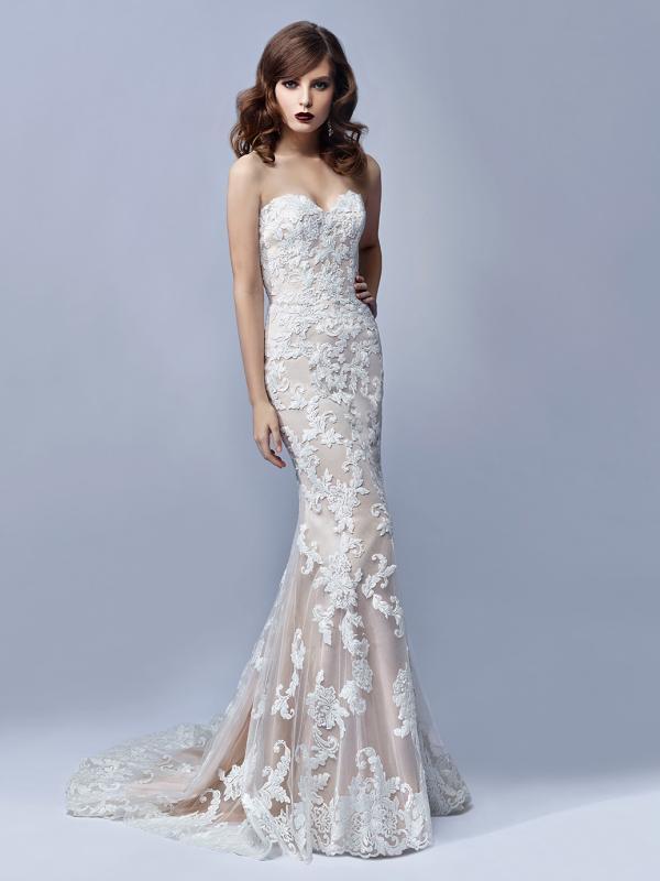 1c30d34503 Ismerje meg a Blue by Enzoani Inaru menyasszonyi ruháját pasztel ...