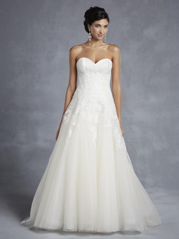 Beautiful by Enzoani, körte alkatra megfelelő esküvői ruha