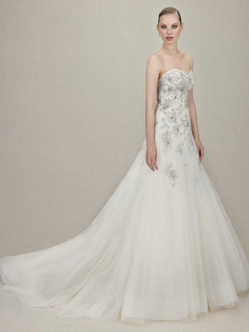 Kristin menyasszonyi ruha