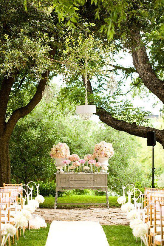 esküvői dekoráció | tavaszi esküvő a szabadban