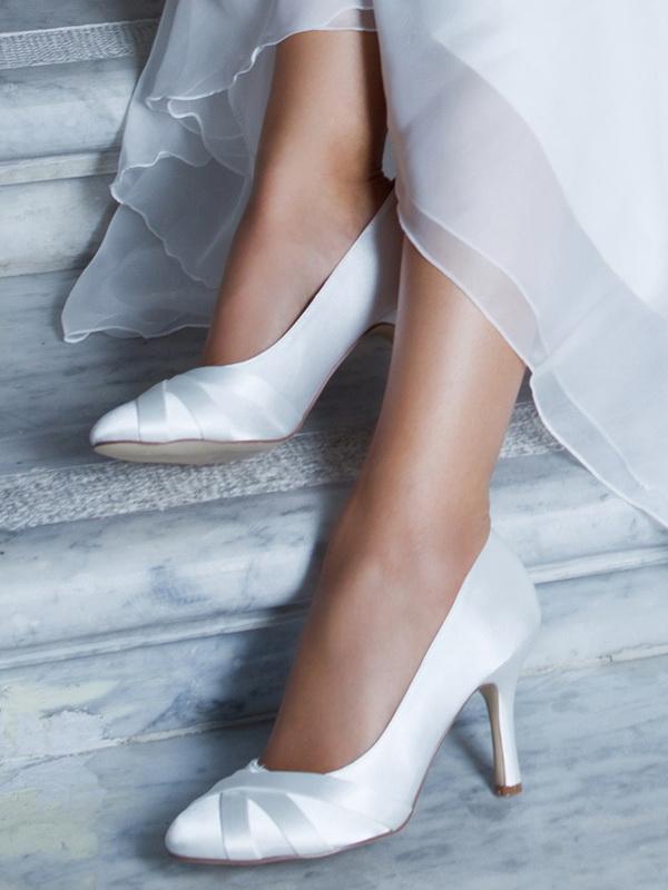 magas sarkú esküvői cipő