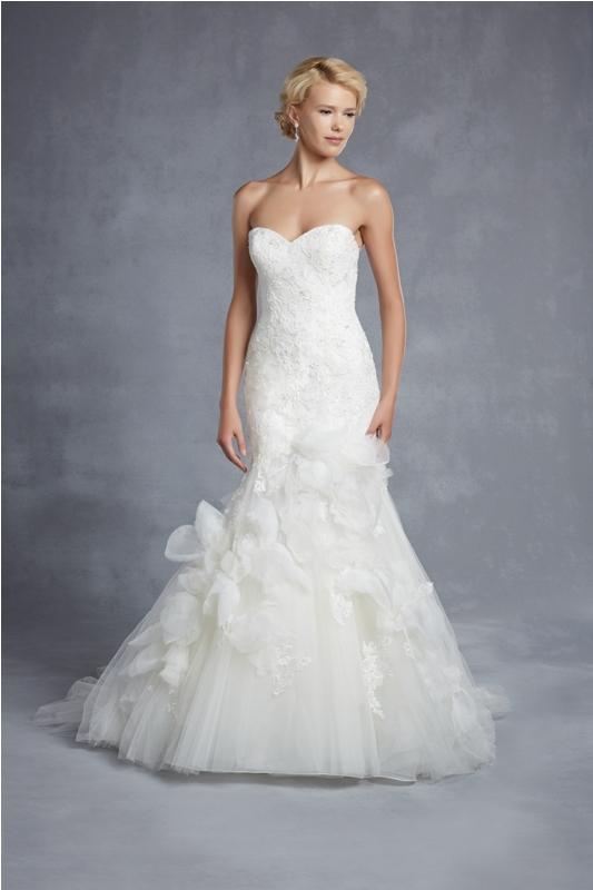 beautiful by enzoani esküvői ruha