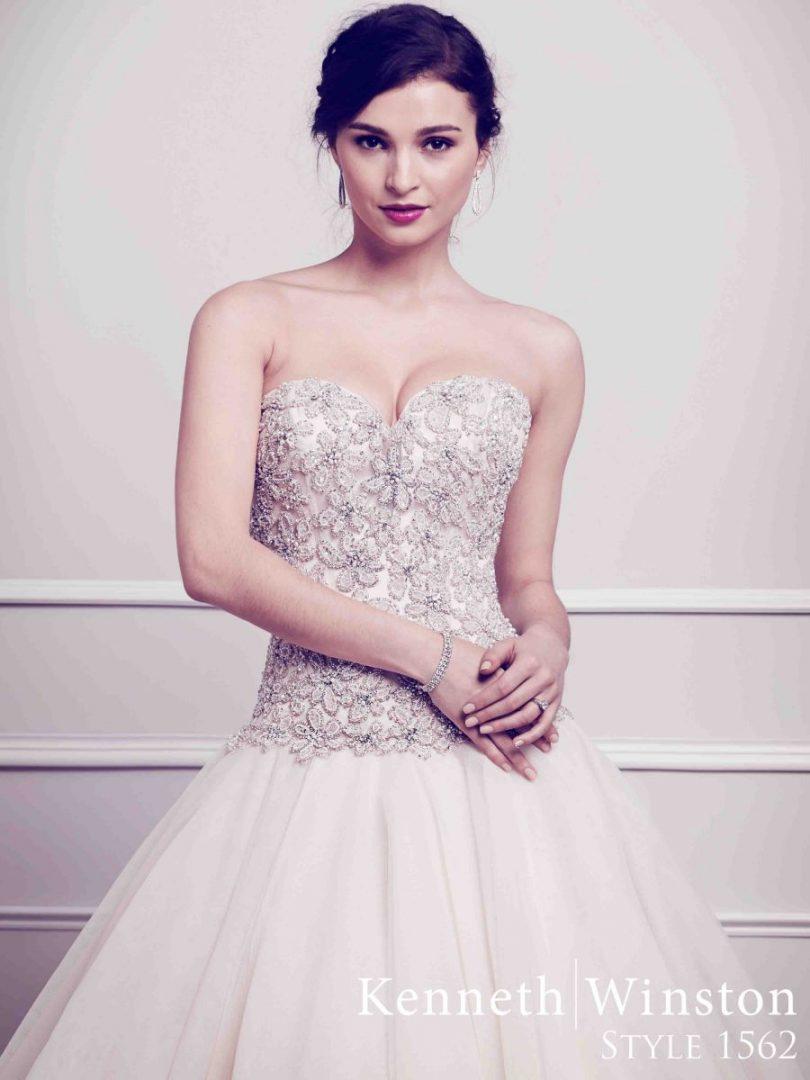 kristályos esküvői ruha