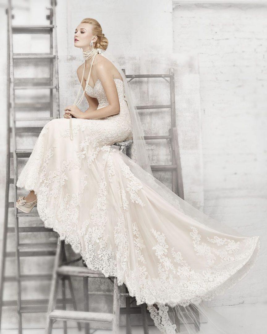 55946e1764 Bemutatjuk a Kenneth Winston menyasszonyi ruhamárka legújabb ...