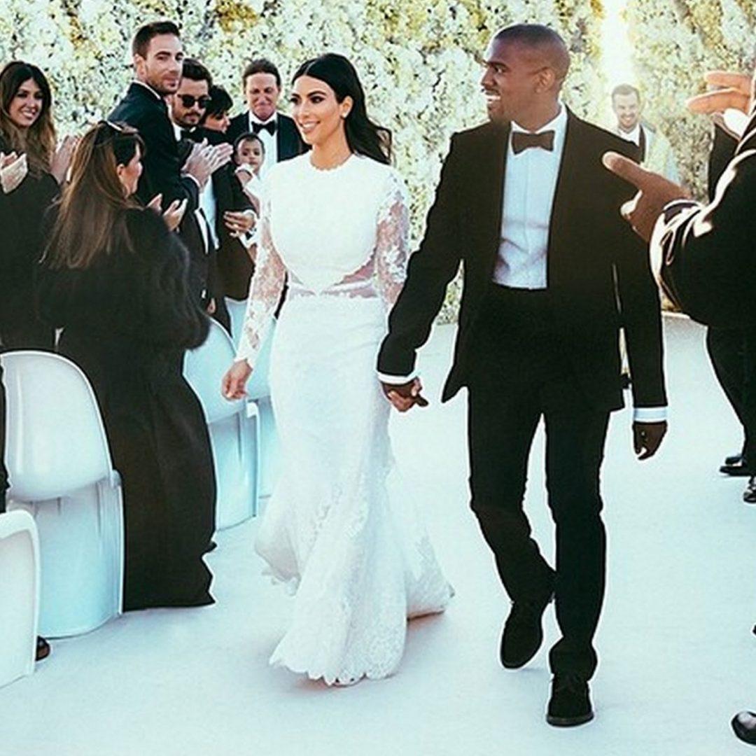 Kim Kardashian menyasszonyi ruhája