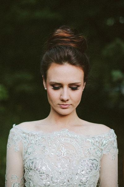 A menyasszonyi ruhához illő konty