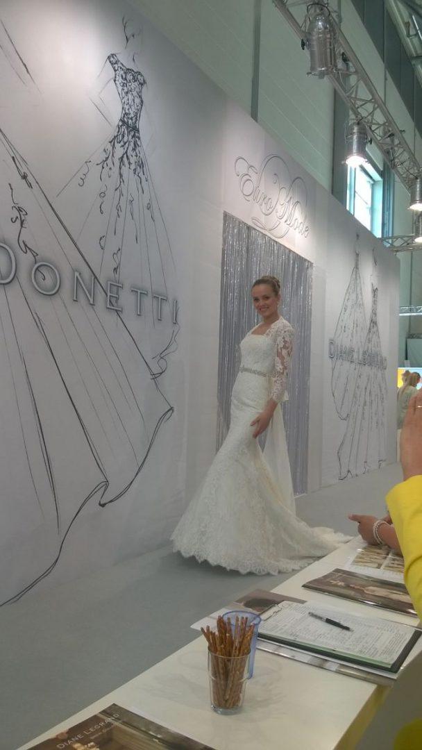 Lisa Donetti, Esküvői Ruha, Menyasszonyi Ruha