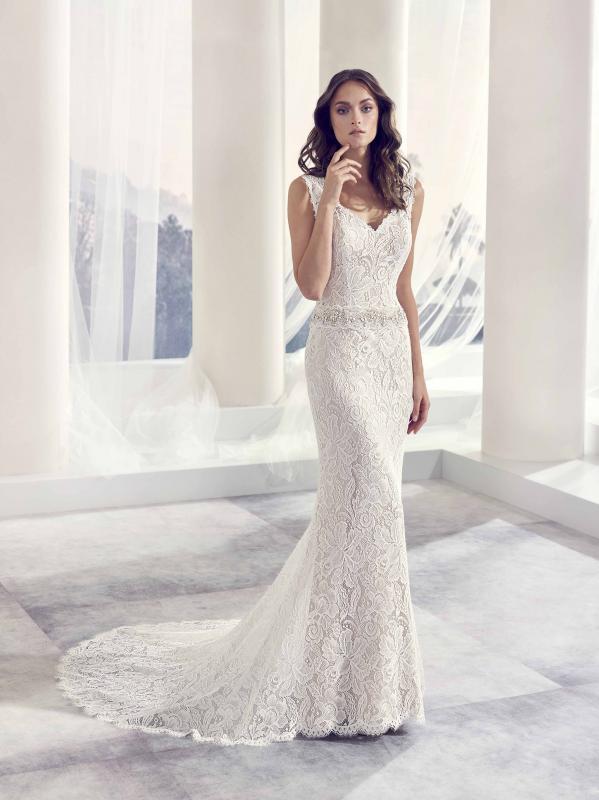 Modeca menyasszonyi ruha