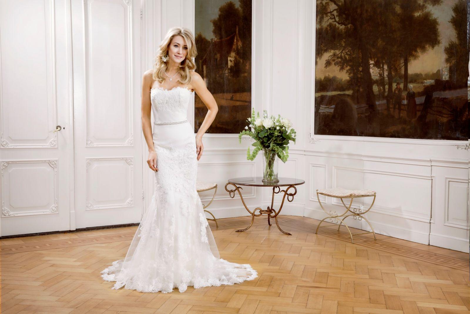 Olva Menyasszonyi Ruha | Modeca Esküvői Ruha Kollekció