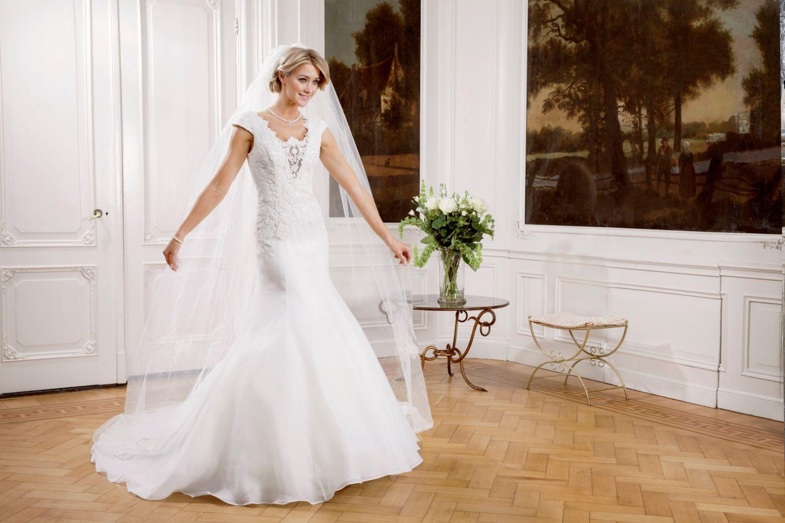 Rosalyn Menyasszonyi Ruha | Modeca Esküvői Ruha Kollekció