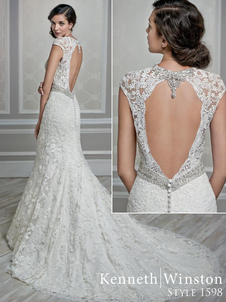 hátul dekoltált esküvői ruha