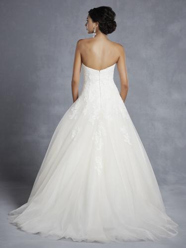 Beutiful by Enzoani, körte alkatra megfelelő esküvői ruha
