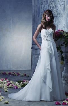 Benjamin Roberts - T5304 menyasszonyi ruha