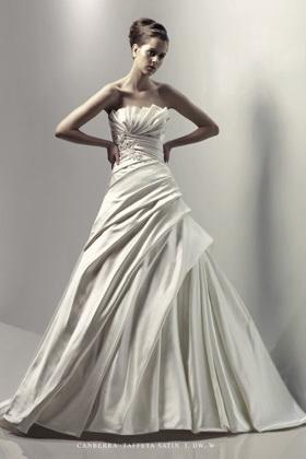 Blue by Enzoani menyasszonyi ruha kollekció Canberra esküvői ruha