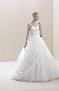 Blue_Enschede esküvői ruha