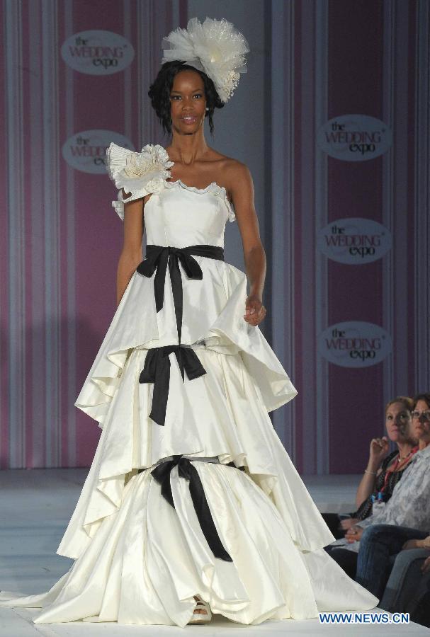 hagyomanyos del-afrikai menyasszonyi ruha