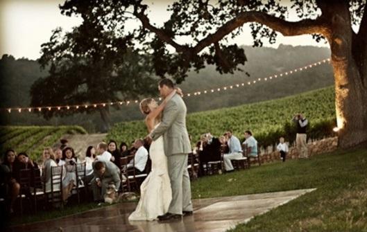 esküvő a szabadban