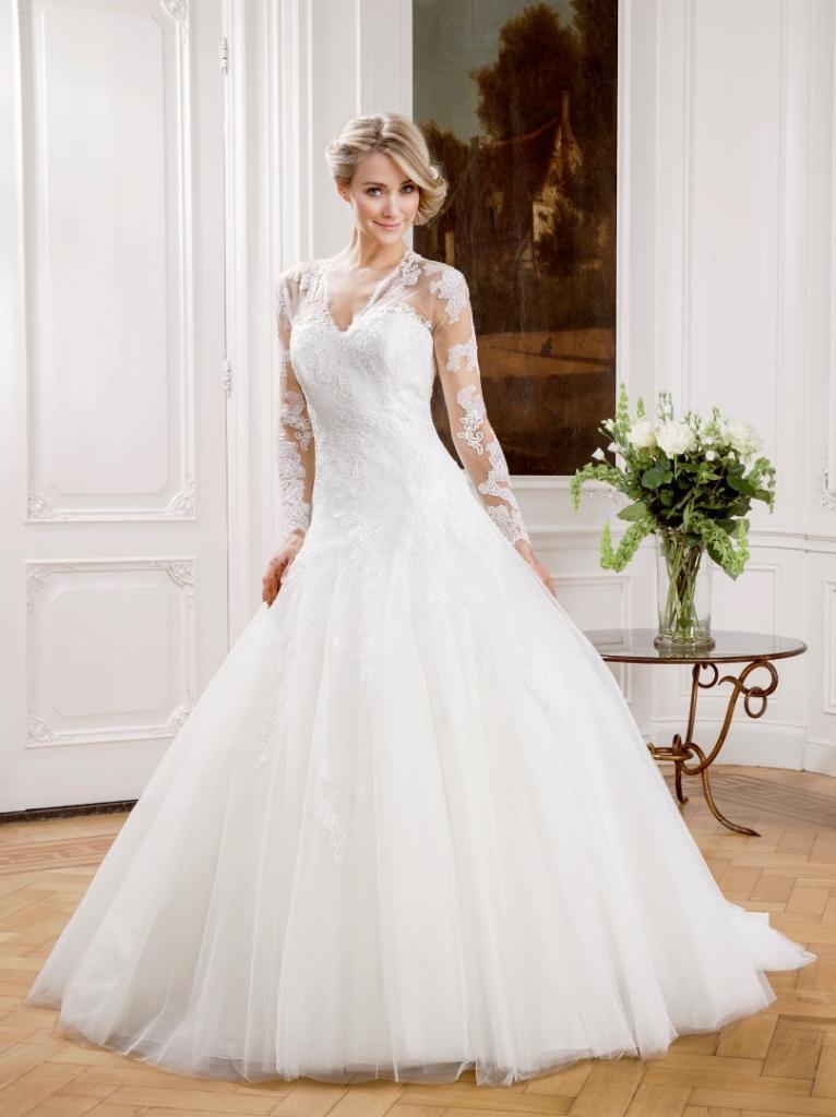 hercegnos menyasszonyi ruha