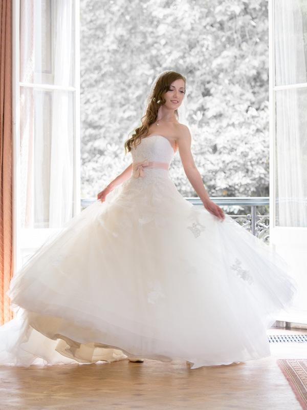 menyasszonyi ruha körte alkatra
