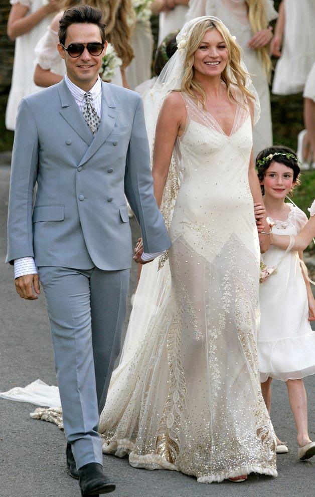 Kate Moss menyasszonyi ruhája