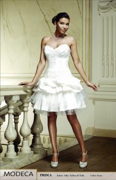 Prisca-1 esküvői ruha