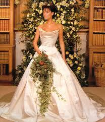 Victoria Beckham menyasszonyi ruhája