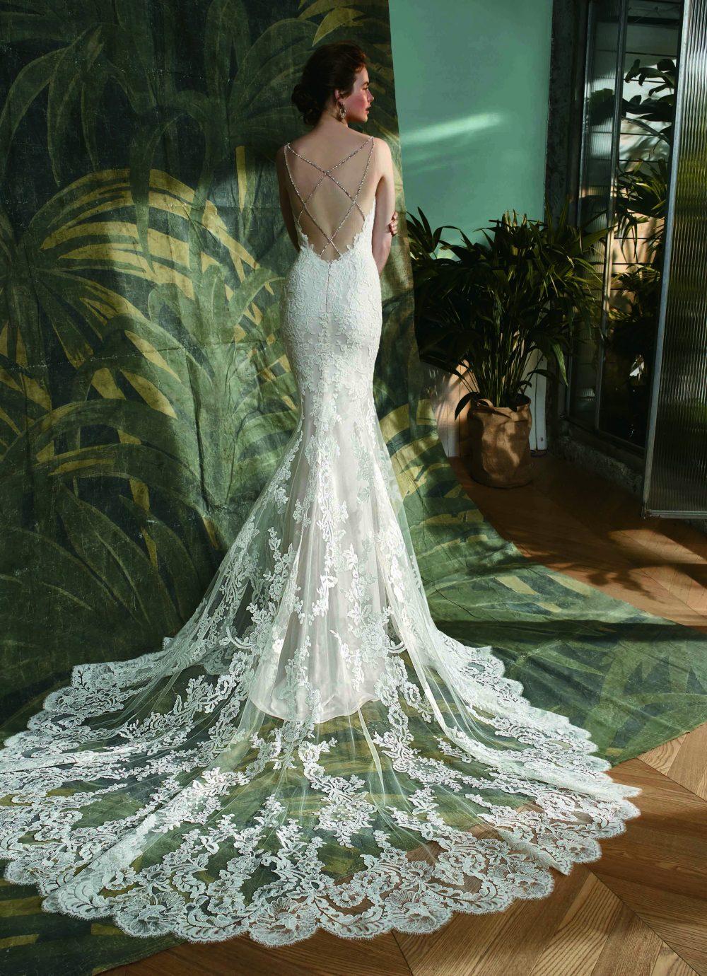 Kymmy esküvői ruha az Enzoanitól. Egyedi, lélegzetelállító hatást kelt.