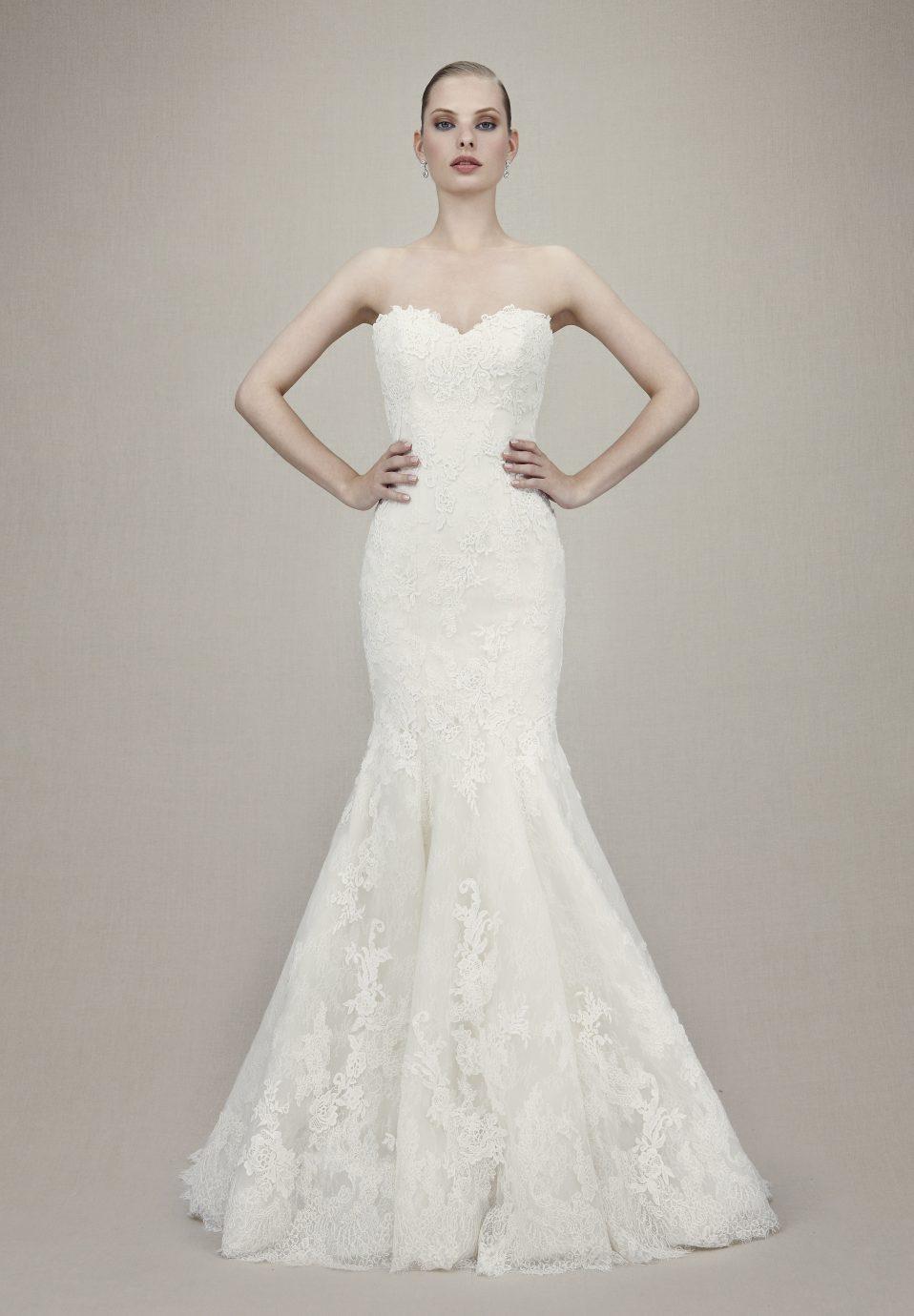 Csipke, Enzoani Kelsi menyasszonyi ruha.