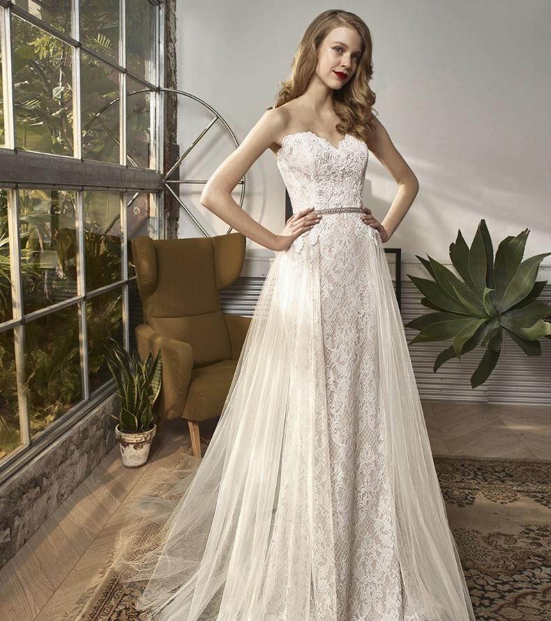 Egyenes fazonú esküvői ruha