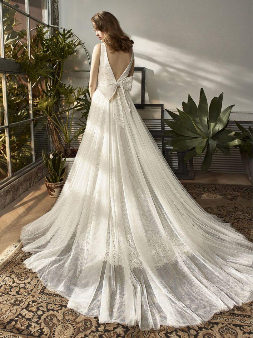 Vintage esküvői ruha a Beutiful kollekcióból. Nyári esküvőre ideális választás.