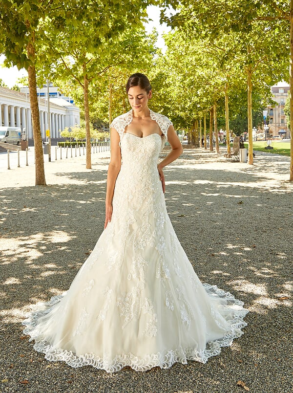 2ca2d7c051 Nagyméretű esküvői ruhák | Igen Esküvői Ruhaszalon