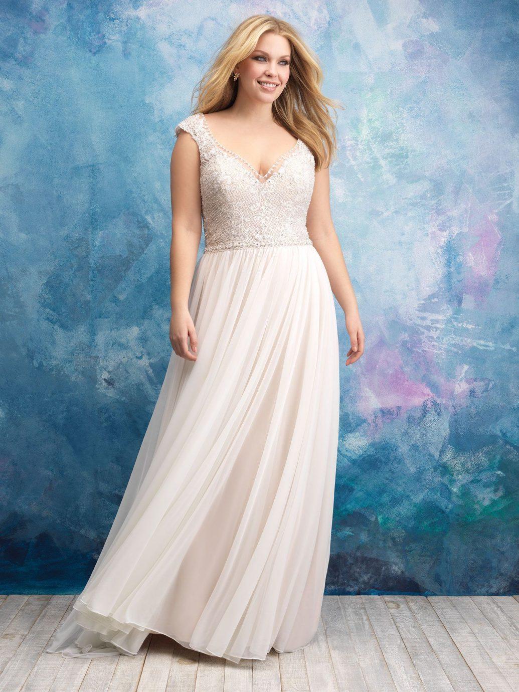 Allure Bridals W437 esküvői ruha, mely egy egyenes fazonú esküvői ruha.